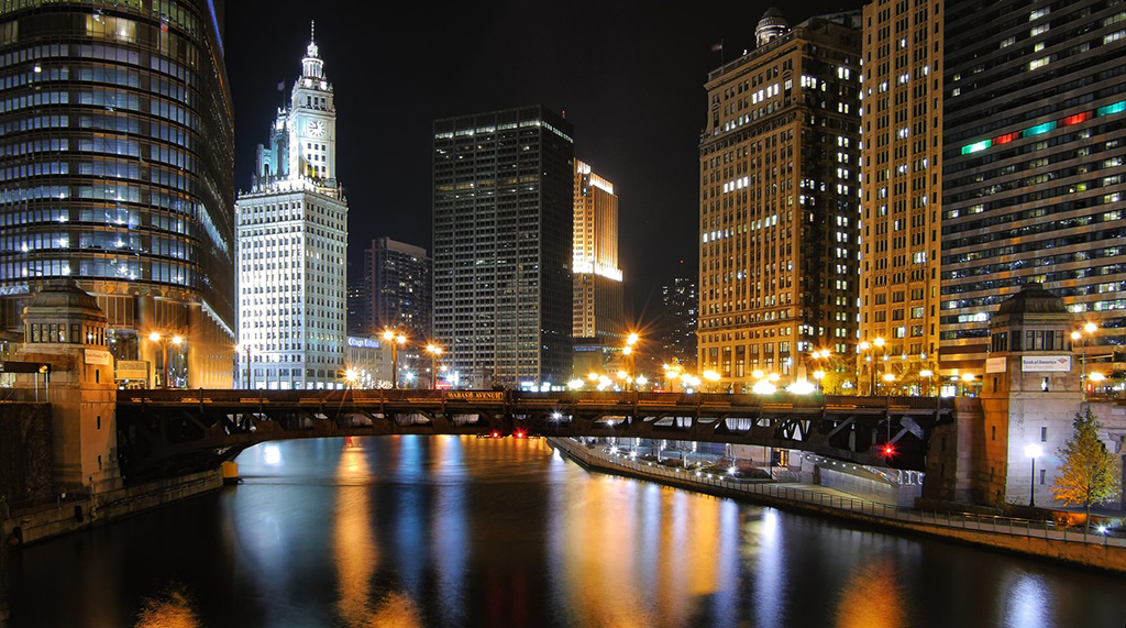 Chicago Night River_Depositphotos_95757038